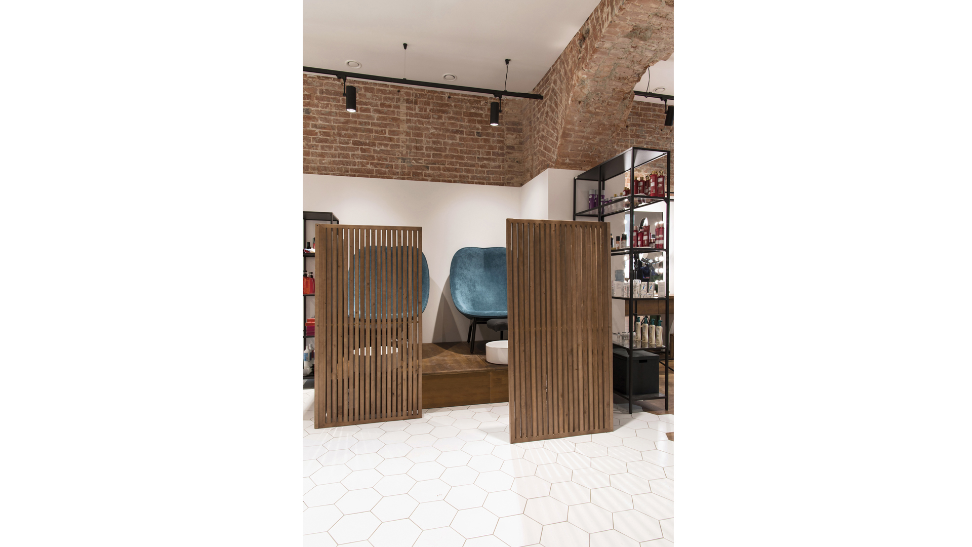 the beauty salon interior photo